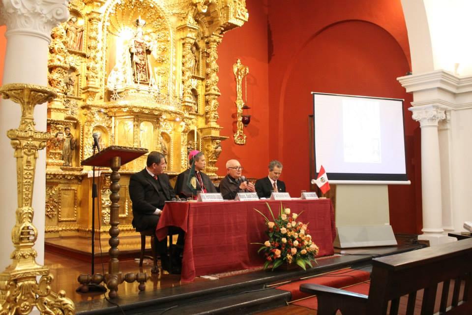 """Presentación del libro """"Cronología de la Historia de la Iglesia del Perú"""" JULIO FIL 2014"""